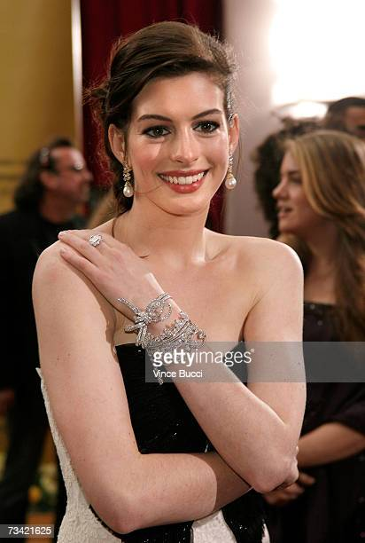 Actress Anne Hathaway attends the 79th Annual Academy Awards held at the Kodak Theatre on February 25, 2007 in Hollywood, California.