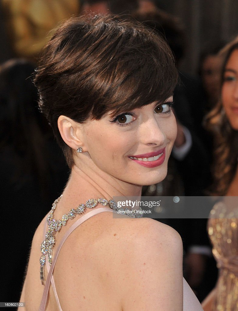 Actress Anne Hathaway attends the 85th Annual Academy Awards held at the Hollywood & Highland Center on February 24, 2013 in Hollywood, California.