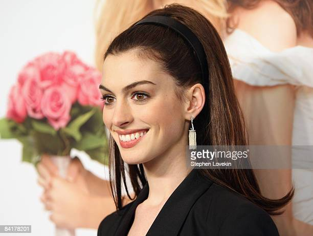 Actress Anne Hathaway attends the 'Bride Wars' Premiere at AMC Loews Lincoln Square on January 5 2009 in New York City