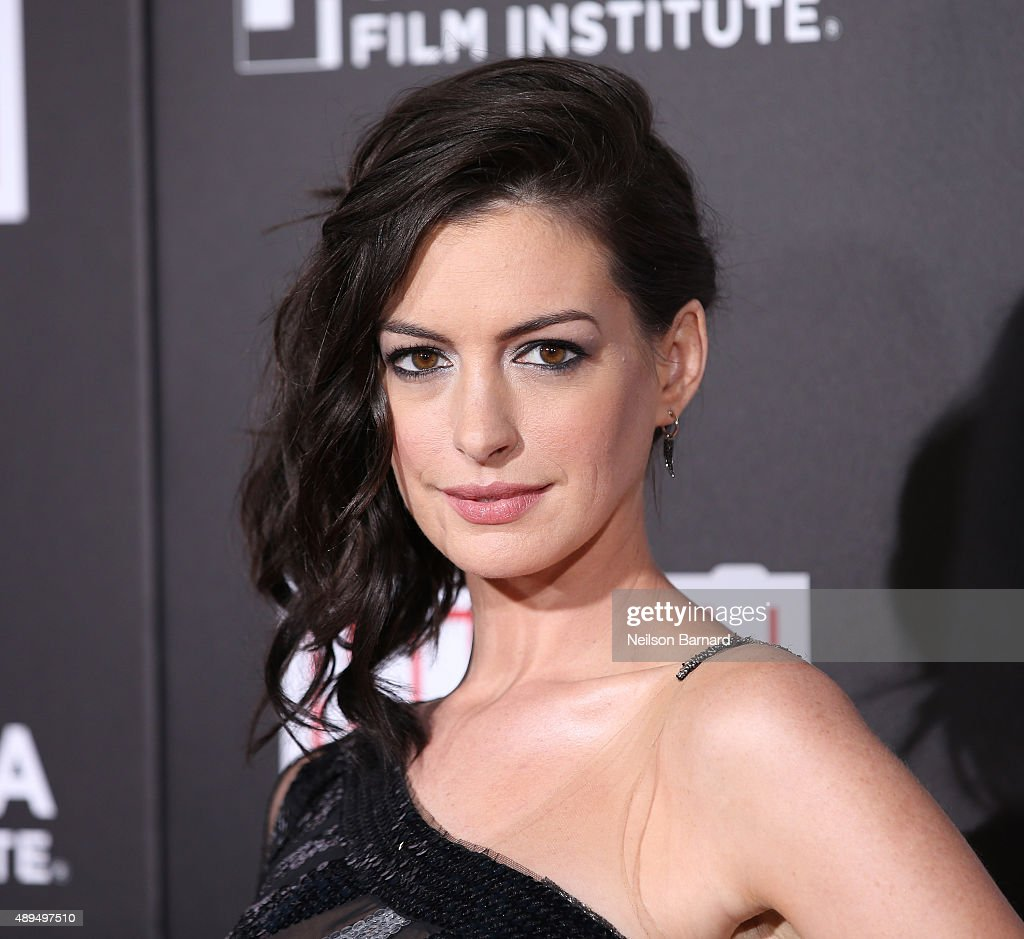 Actress Anne Hathaway attends 'The Intern' New York Premiere at Ziegfeld Theater on September 21, 2015 in New York City.