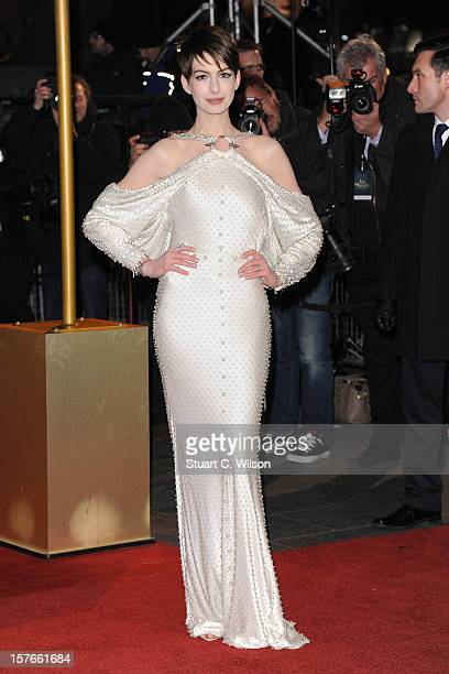 Actress Anne Hathaway attends the Les Miserables World Premiere at the Odeon Leicester Square on December 5 2012 in London England