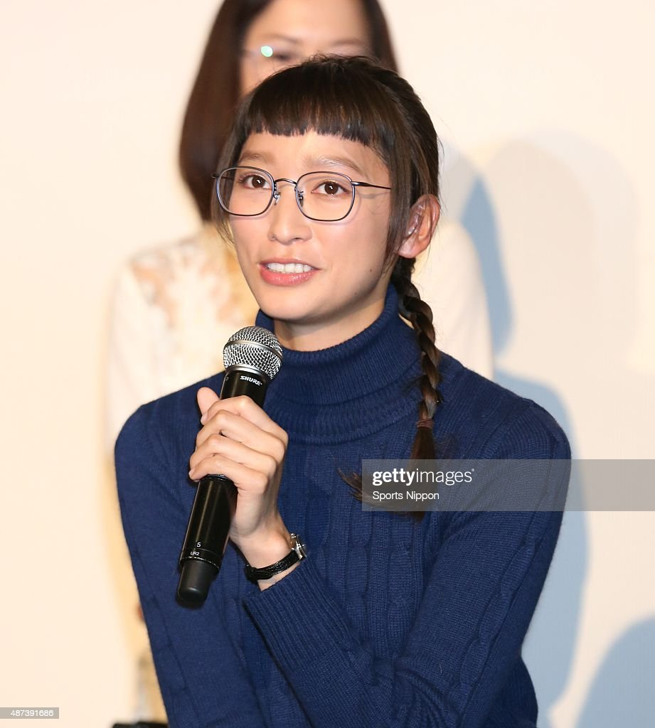 Anne Watanabe Attends Press Conference In Tokyo : News Photo