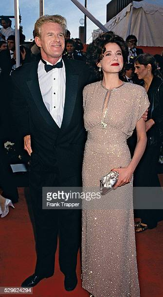Actress Annette Bening and actor Ed Begley Jr arrive at the 1991 Academy Awards�� This photo appears in Frank Trapper's RED CARPET book on page 94