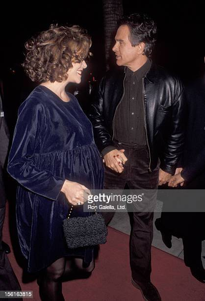 Actress Annette Bening and actor Warren Beatty 'Bugsy' Beverly Hills Premiere on December 12 1991 at Academy Motion Picture Arts and Sciences in...
