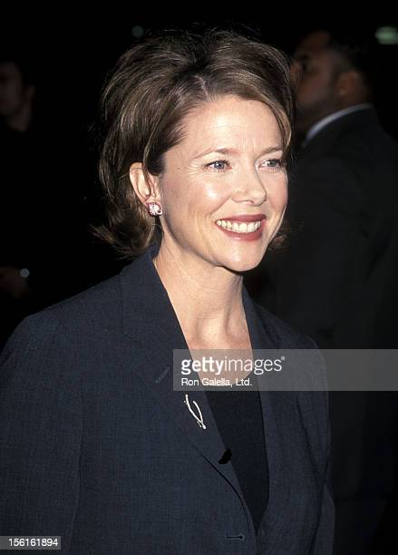 Actress Annette Bening attends the 'American Beauty' Hollywood Premiere on September 8 1999 at the Egyptian Theatre in Hollywood California