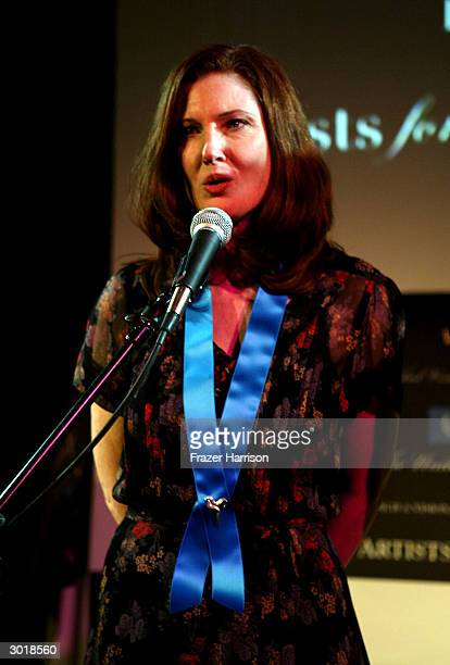 Actress Annette O'Toole performs at The Global Vision for Peace launch of Artists for the United Nations on February 26, 2004 in Los Angeles,...