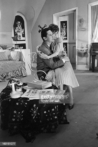 Actress Annie Fargue En octobre 1958 l'actrice Annie FARGUE avec un partenaire sur scène jouant au théâtre