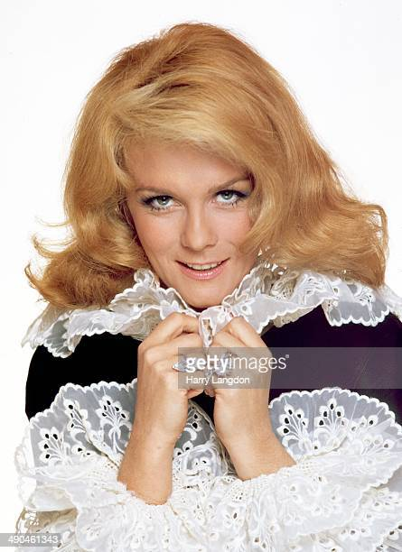 Actress AnnMargretposes for a portrait in 1975 in Los Angeles California