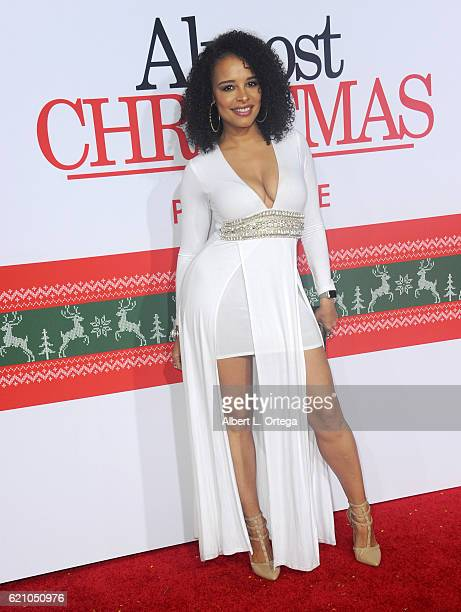 Actress Antonique Smith arrives for the Premiere Of Universal's 'Almost Christmas' held at Regency Village Theatre on November 3 2016 in Westwood...