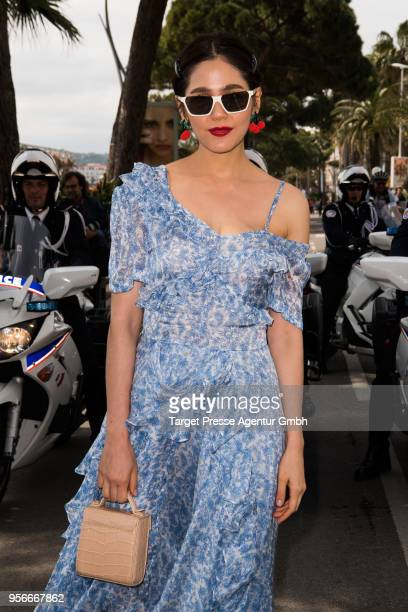 Actress Araya Hargate poses on the Croisette during the 71st annual Cannes Film Festival at on May 9 2018 in Cannes France