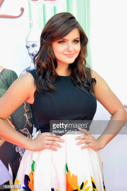Actress Ariel Winter attends the world premiere of 'The Wizard Of Oz 3D' at the grand opening of the TCL Chinese Theatre IMAX at TCL Chinese Theatre...