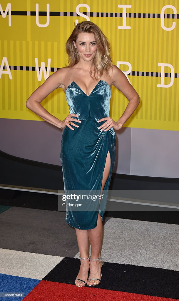 Actress Arielle Vandenberg attends the 2015 MTV Video Music Awards at Microsoft Theater on August 30, 2015 in Los Angeles, California.