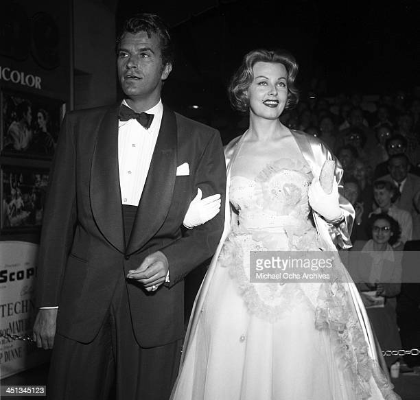 Actress Arlene Dahl and actor Fernando Lamas attends a premiere of 'The Robe' in Los Angeles California