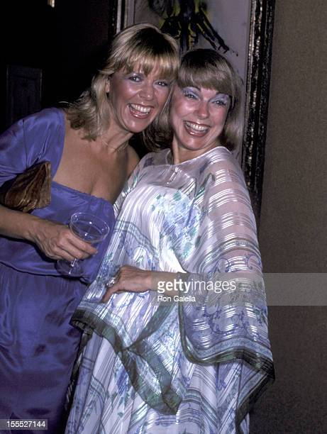 Actress Arlene Golonka and actress Terry Moore attend The Art Connisseur's Weekend Celebration Grand Opening of the Gallery Hawaii on March 28 1980...