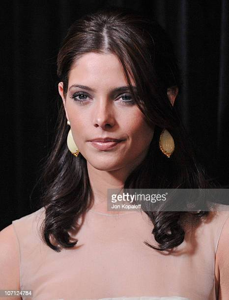 Actress Ashley Greene arrives at the DIC/InStyle's 9th Annual Awards Season Diamond Fashion Show Preview at Beverly Hills Hotel on January 14 2010 in...