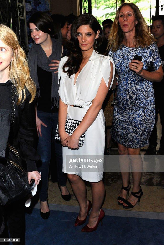 Salvatore Ferragamo Presents Women's Resort 2012 Collection at James B. Duke Mansion - Inside : News Photo