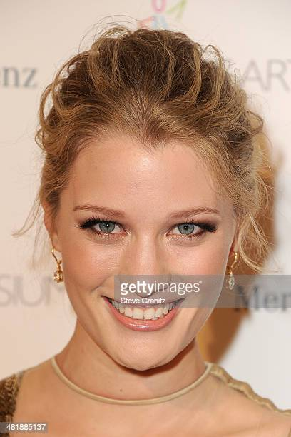 Actress Ashley Hinshaw arrives at The Art of Elysium's 7th Annual HEAVEN Gala presented by Mercedes-Benz at Skirball Cultural Center on January 11,...