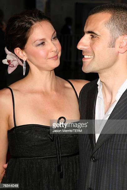 Actress Ashley Judd and Indy car driver Dario Franchitti arrive at the 2007 ESPY Awards at the Kodak Theatre on July 11, 2007 in Hollywood,...