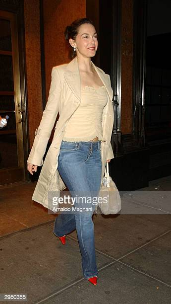 Actress Ashley Judd arrives at the Luca Luca fashion show at Bryant Park during the Olympus 2004 Fall Fashion Show February 8 2004 in New York City