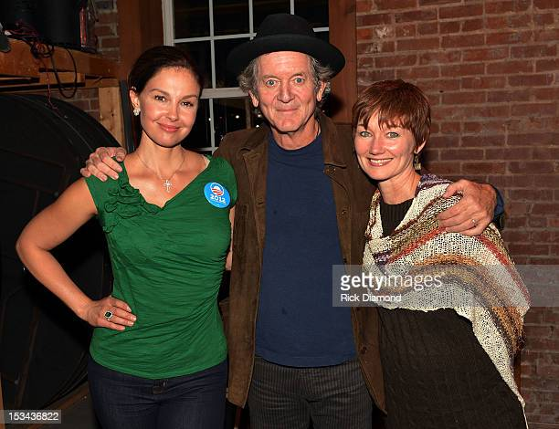 Actress Ashley Judd Singers/Songwriters Rodney Crowell and Laurie White backstage during Tennesseans For Obama Benefit at The Cannery Ballroom on...