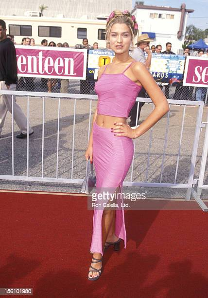 Actress Ashley Lyn Cafagna attends the First Annual Teen Choice Awards on August 1 1999 at The Barker Hangar The Santa Monica Air Center in Santa...