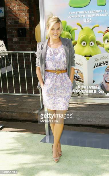 """Actress Ashley Roberts arrives to the Los Angeles premiere of """"Planet 51"""" held at the Mann Village Theatre on November 14, 2009 in Westwood,..."""