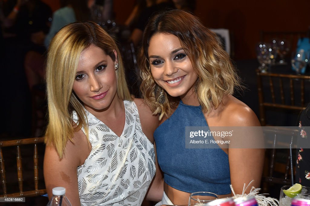 2014 Young Hollywood Awards Brought To You By Samsung Galaxy - Backstage And Audience : News Photo