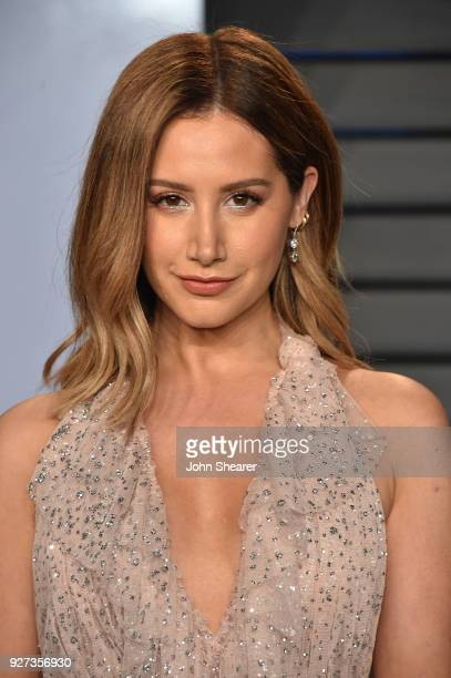 Actress Ashley Tisdale attends the 2018 Vanity Fair Oscar Party hosted by Radhika Jones at Wallis Annenberg Center for the Performing Arts on March 4...
