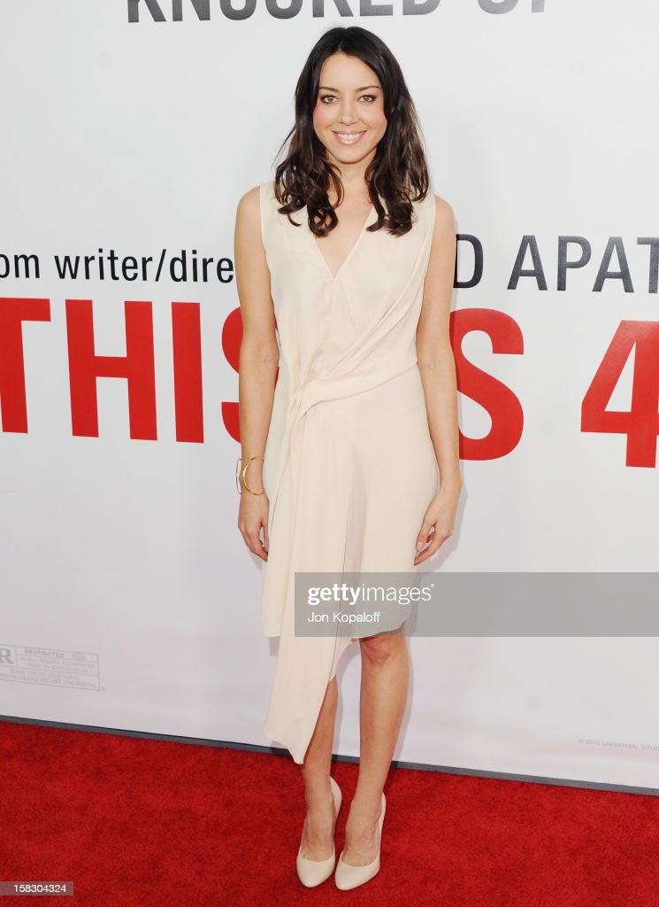 Actress Aubrey Plaza arrives at the Los Angeles Premiere 'This Is 40' at Grauman's Chinese Theatre on December 12, 2012 in Hollywood, California.