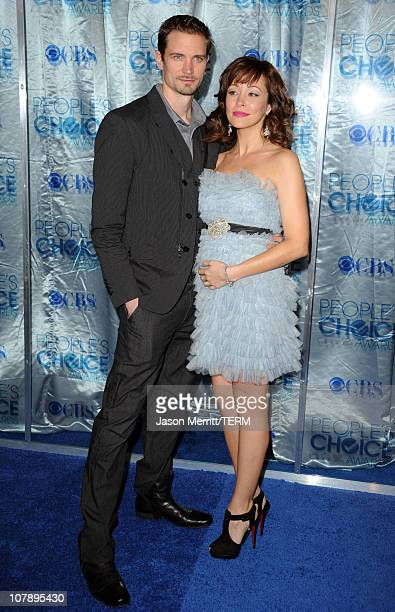Actress Autumn Reeser and Jesse Warren arrive at the 2011 People's Choice Awards at Nokia Theatre LA Live on January 5 2011 in Los Angeles California