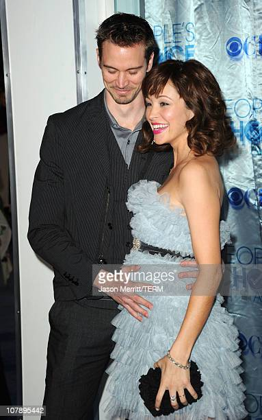 Actress Autumn Reeser and Jesse Warren arrive at the 2011 People's Choice Awards at Nokia Theatre L.A. Live on January 5, 2011 in Los Angeles,...