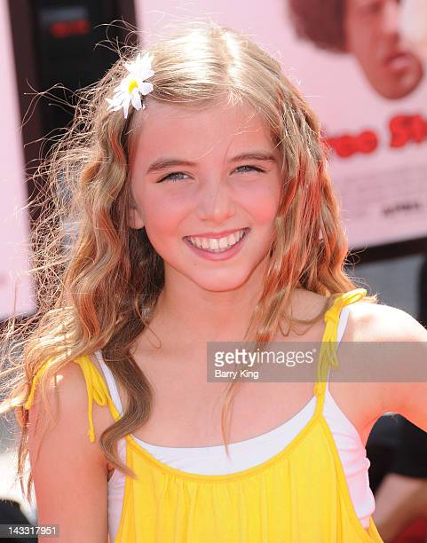 Actress Avalon Robbins arrives at 'The Three Stooges' Los Angeles premiere at Grauman's Chinese Theatre on April 7, 2012 in Hollywood, California.