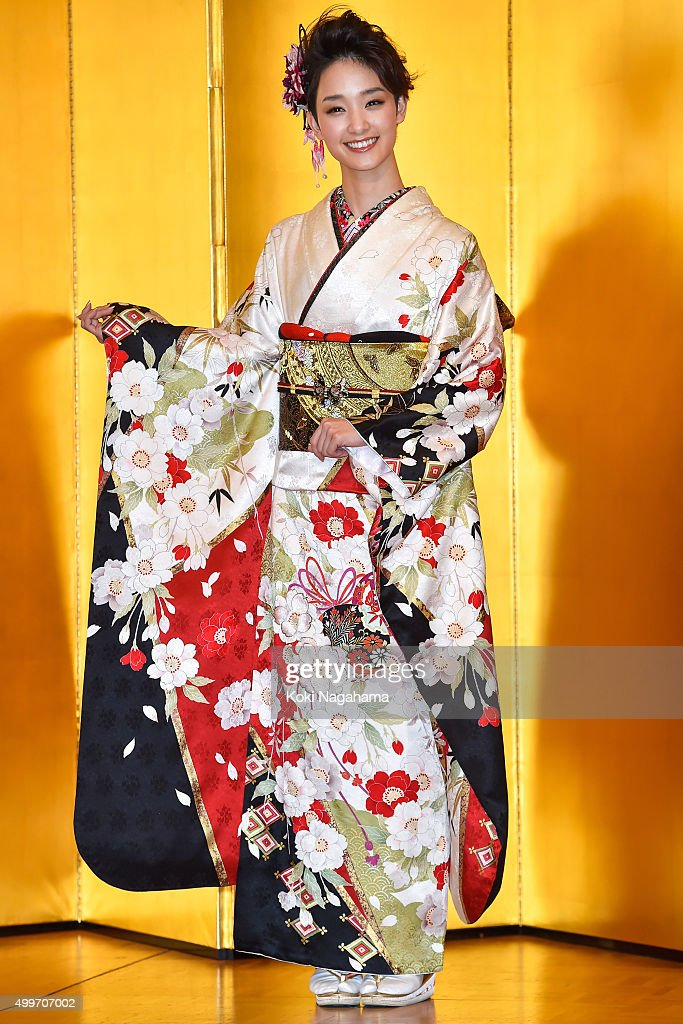 Actress Ayame Goriki attends the New Year's Kimono photocall for Oscar Promotion on December 3, 2015 in Tokyo, Japan.