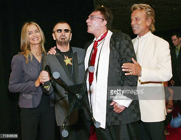 Actress Barbara Bach musician Ringo Starr and Roy Horn and Siegfried Fischbacher of the illusionist duo Siegfried Roy pose after attending the gala...