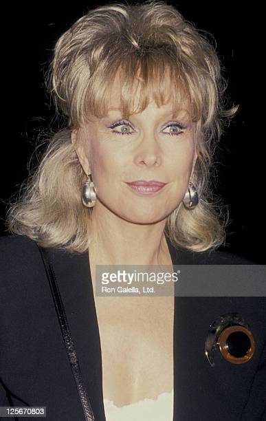 Actress Barbara Eden attends the book party for Fannie Flagg Fried Green Tomatoes at the Whislteshop Cafe on November 10 1987 at Hunter's Books in...