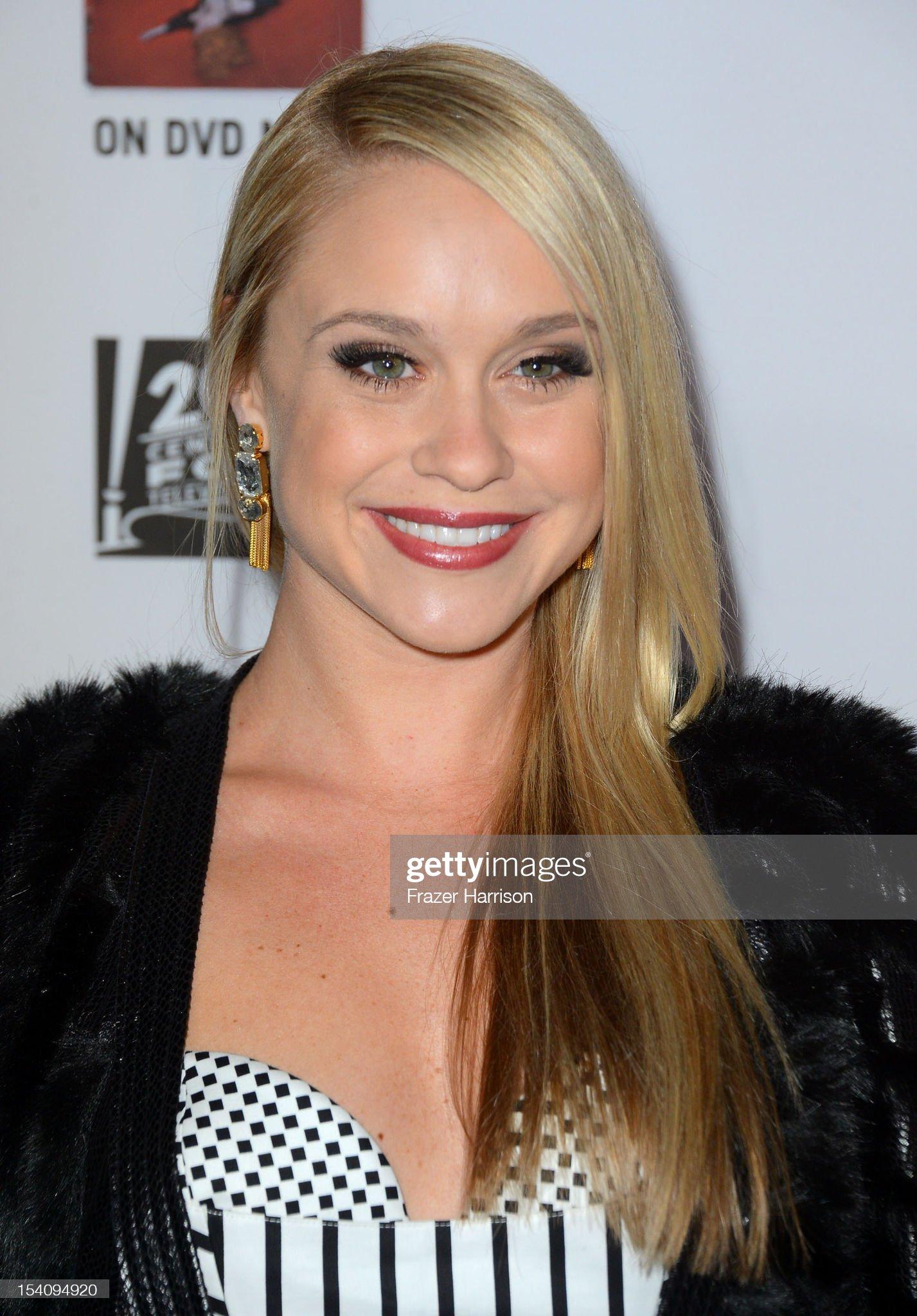 Ojos verdes - Famosas y famosos con los ojos de color VERDE Actress-becca-tobin-arrives-at-the-premiere-screening-of-fxs-american-picture-id154094920?s=2048x2048