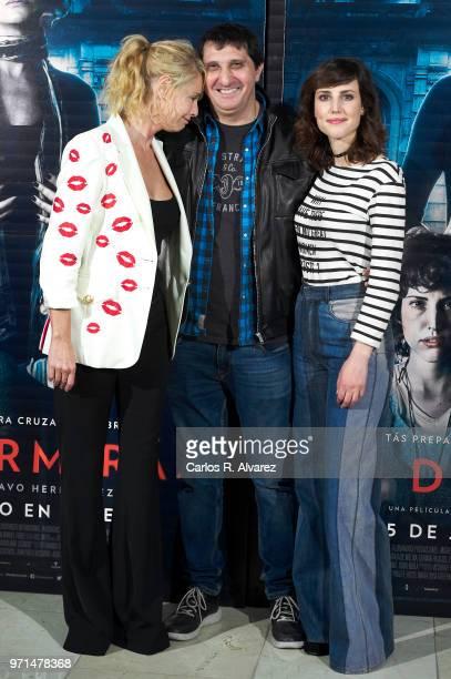 Actress Belen Rueda, director Gustavo Hernandez and actress Natalia de Molina attend 'No Dormiras' photocall at Renoir cinema on June 11, 2018 in...