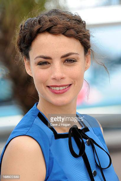 Actress Berenice Bejo attends 'Le Passe' photocall during the 66th Annual Cannes Film Festival at the Palais des Festivals on May 17 2013 in Cannes...