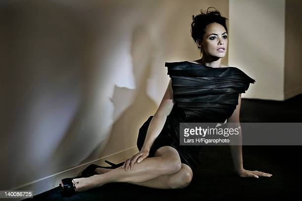 Actress Berenice Bejo is photographed for Madame Figaro on July 2 2009 in Paris France Figaro ID085487005 CREDIT MUST READ Lars H/Figarophoto/Contour...