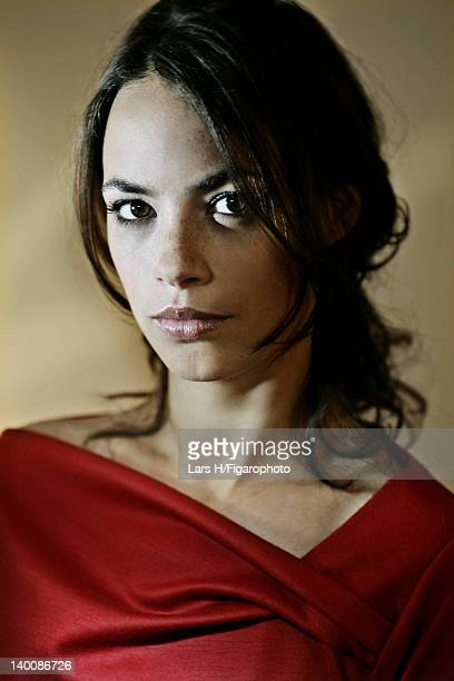 Actress Berenice Bejo is photographed for Madame Figaro on July 2 2009 in Paris France Figaro ID085487006 CREDIT MUST READ Lars H/Figarophoto/Contour...