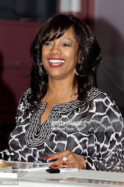 Actress BernNadette Stanis speaks to residents at the Chicago Housing Authority Jane Addams Family Resource Center during a Public Housing Tour in...