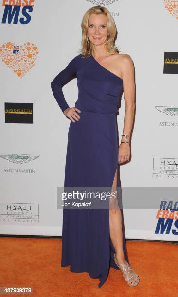 Actress Beth Littleford arrives at the 21st Annual Race To Erase MS Gala at the Hyatt Regency Century Plaza on May 2, 2014 in Century City,...