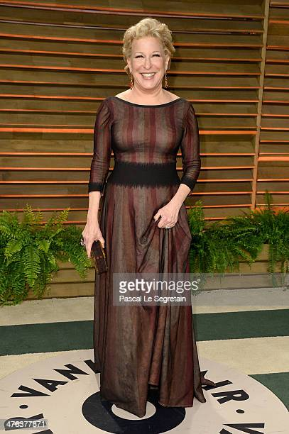 Actress Bette Midler attends the 2014 Vanity Fair Oscar Party hosted by Graydon Carter on March 2 2014 in West Hollywood California