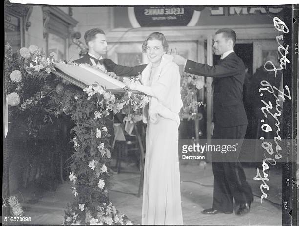 Actress Betty Furness arrives at the premiere of her 1932 movie Bill of Divorcement.