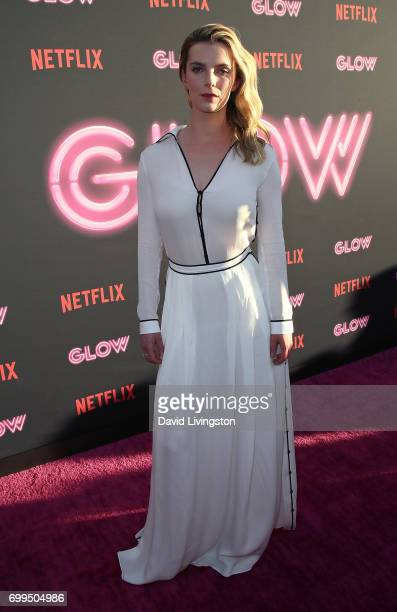 Betty Gilpin Pictures and Photos - Getty Images