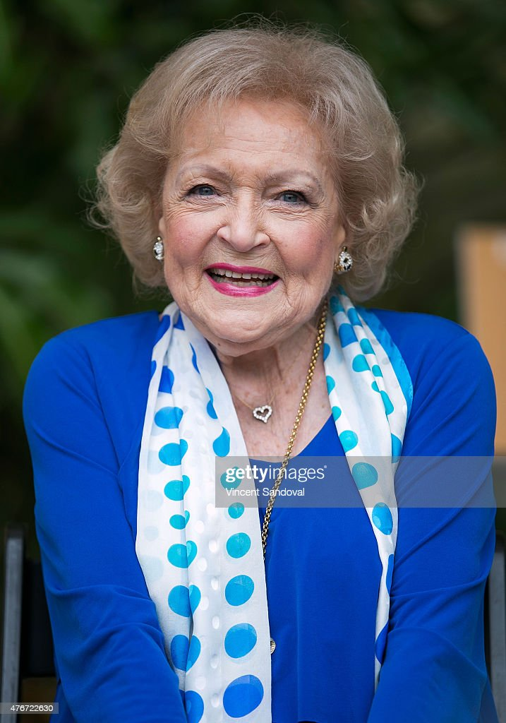 Actresses Betty White And Carolyn Hennesy Host Media Preview For Greater Los Angeles Zoo Association's Beastly Ball Fundraiser : News Photo