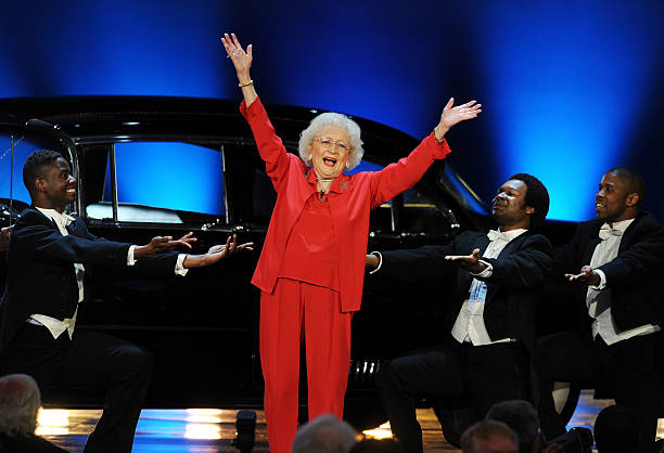 Actress Betty White performs onstage at the 39th AFI Life Achievement Award honoring Morgan Freeman held at Sony Pictures Studios on June 9, 2011 in...