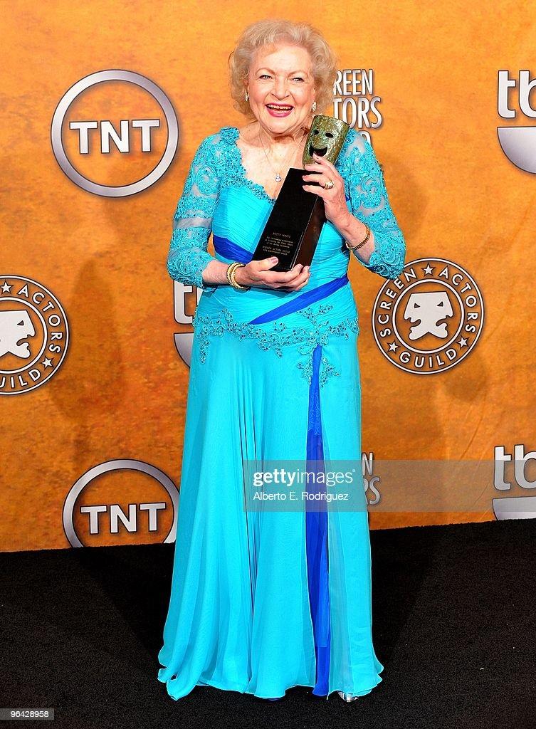 16th Annual Screen Actors Guild Awards - Press Room : News Photo