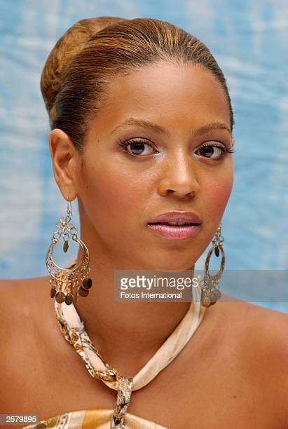 OUT*** Actress Beyonce Knowles attends the press conference for her latest film The Fighting Temptations at the Essex House Hotel on August 25 2003...