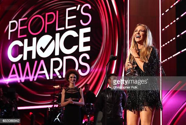 Actress Blake Lively accepts the Favorite Dramatic Movie Actress award onstage during the People's Choice Awards 2017 at Microsoft Theater on January...